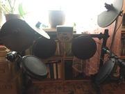 Продам электронную барабанную установку Alesis dm7x session kit