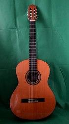 Продам классическую мастеровую гитару